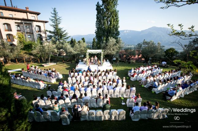 Hindu wedding in Tuscany by Infinity Weddings & Events - weddingsabroadguide.com