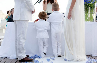Find a Celebrant to perform your wedding blessing abroad.