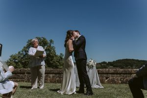 Ceremonies in France Wedding Celebrant Gaynor McKernan Rachel & Andrew Review