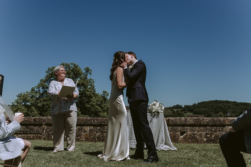 Ceremonies in France Wedding Celebrant Gaynor McKernan Rachel & Andrew Review