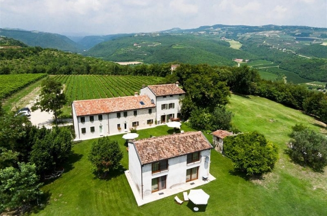 Delo Relais Wedding Venue Verona Italy member of the Destination Wedding Directory by Weddings Abroad Guide
