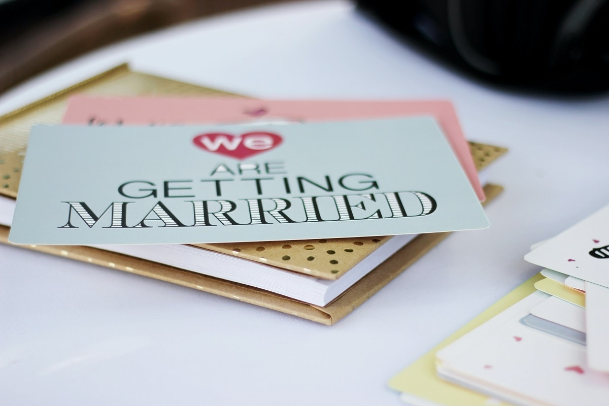 4 Tips on how to make DIY Wedding Invitations special