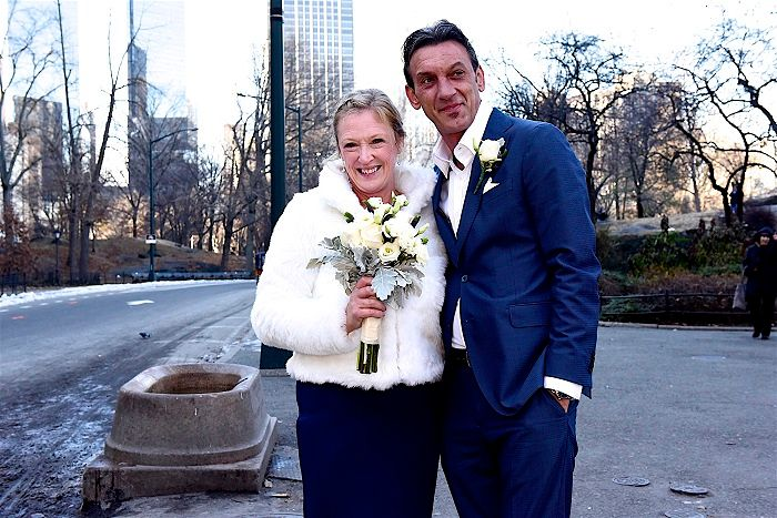 Joanne & Viktor's New York Winter Elopement / Photography by City Hall Photography