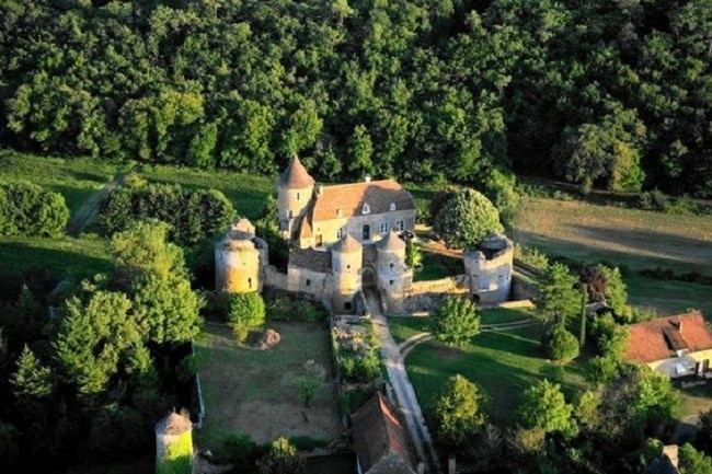 Plan a wedding in France Mini Guide - Venue Option: Chateau Lydia
