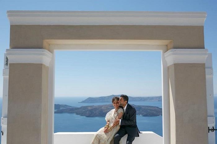 Chic Indian Wedding in Greece - Santorini   Wedding Film