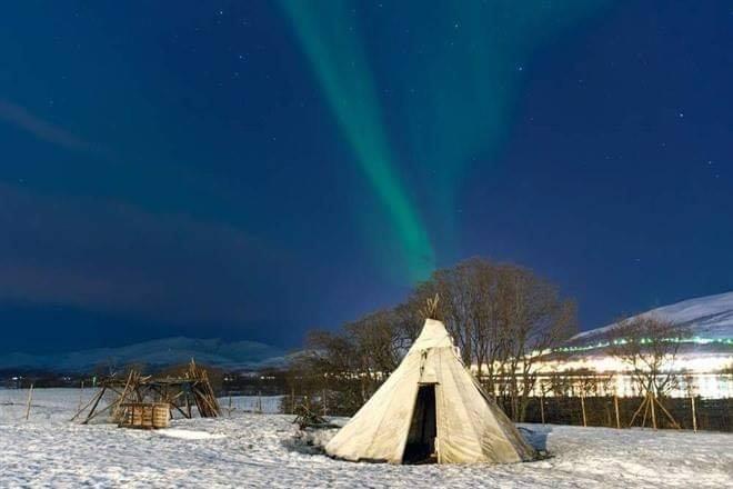 Winter Wedding in Honeymoon Packages in Lapland