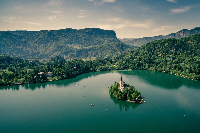 Lake Bled Slovenia, perfect for an intimate wedding abroad | Polina Rytova - Unsplash