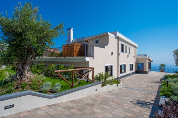 Villa Paradise Resort Amalfi Coast Venue Weddings Abroad Guide