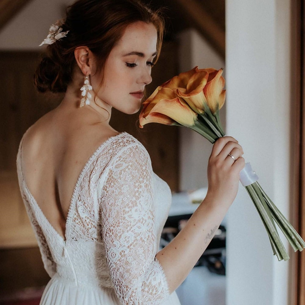 Charlotte getting ready for her Wedding at Schloss Mittersill Austria | Stressfree Weddings by SandraM | Katrin Kerschbaumer Photography