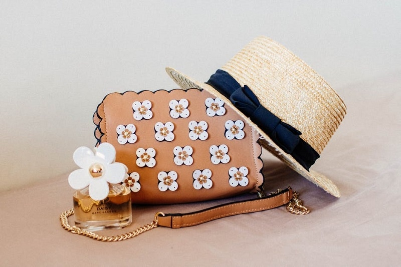 What to Wear to a Beach Wedding - A Guests Guide on What to Pack for a Beach Wedding